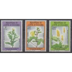 Côte d'Ivoire - 1993 - No 904/906 - Santé ou Croix-Rouge - Fleurs
