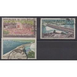 Côte d'Ivoire - 1959 - No PA18/PA20 - Ponts - Monuments - Oblitérés
