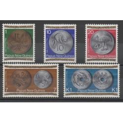 Papouasie-Nouvelle-Guinée - 1975 - No 282/286 - Monnaies, billets ou médailles