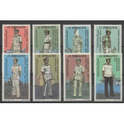 Somalie - 1983 - No 293/300 - costumes uniformes