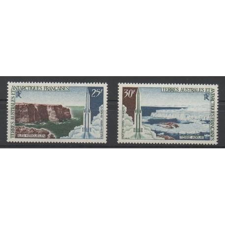 TAAF - Poste aérienne - 1968 - No PA15/PA16 - Espace