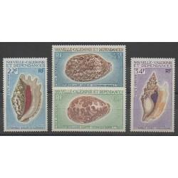 Nouvelle-Calédonie - Poste aérienne - 1970 - No PA113/PA116 - Coquillages
