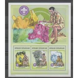 Centrafricaine (République) - 2002 - No 1842/1844 - Scouts - Minéraux - Pierres précieuses