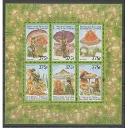 Comores - 1999 - No 1034/1039 - Champignons