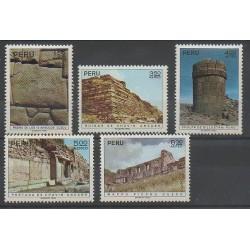 Pérou - 1972 - No PA325/PA329 - Monuments