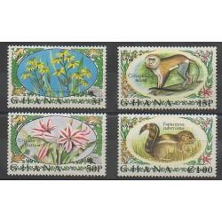 Ghana - 1972 - No 435/438 - Fleurs - Mammifères