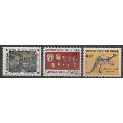 Niger - 1976 - No 379/381 - Animaux préhistoriques