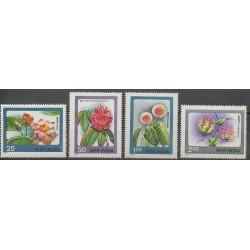 Inde - 1977 - No 518/521 - Fleurs
