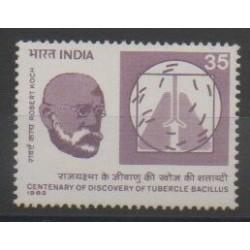 Inde - 1982 - No 707 - Santé ou Croix-Rouge