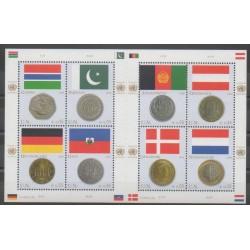 Nations Unies (ONU - Vienne) - 2006 - No 488/495 - Drapeaux - Monnaies, billets ou médailles