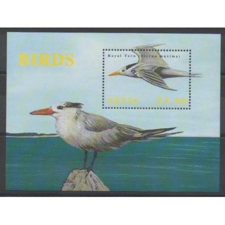 Nevis - 2002 - No BF217 - Oiseaux