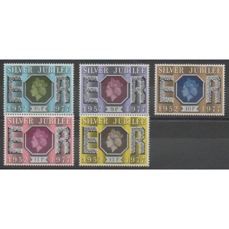 Grande-Bretagne - 1977 - No 829/832 - Royauté - Principauté