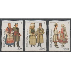 Biélorussie - 1996 - No 180/182 - Costumes Uniformes