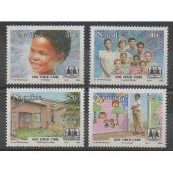 Namibie - 1993 - No 703/706 - Santé ou Croix-Rouge - Enfance