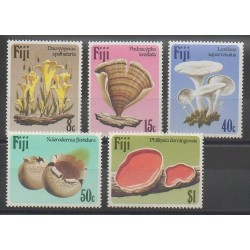 Fiji - 1984 - Nb 493/497 - Mushrooms