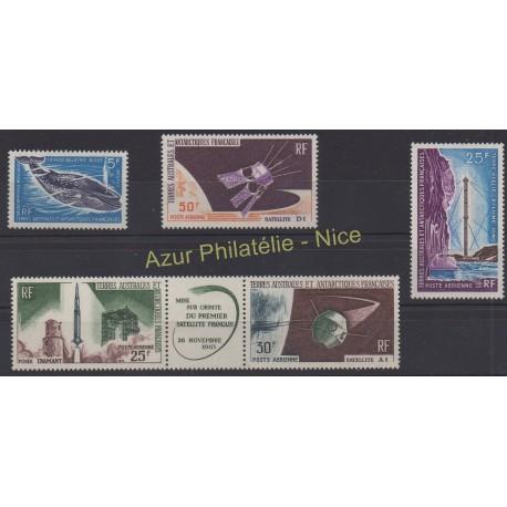 Timbres - Terres Australes et Antarctiques Françaises - Année complète - 1966 - No 22 et PA10/PA13