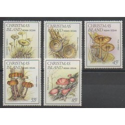 Christmas (Iles) - 1984 - No 189/193 - Champignons
