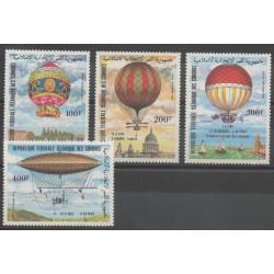 Comores - 1983 - No PA193/PA196 - Ballons - Dirigeables