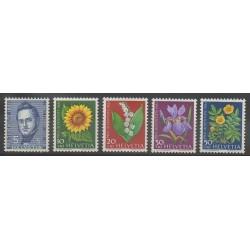 Suisse - 1961 - No 684/688 - Fleurs