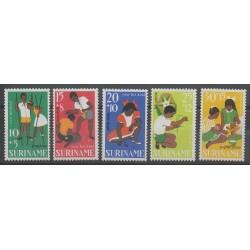 Surinam - 1967 - No 466/470 - Enfance