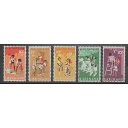 Surinam - 1966 - No 445/449 - Enfance