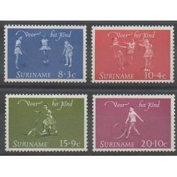 Surinam - 1964 - No 400/403 - Enfance