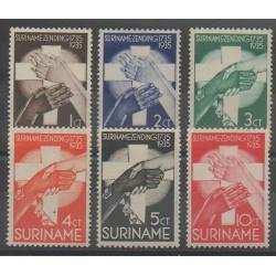 Surinam - 1935 - No 147/152 - Religion - Neufs avec charnière