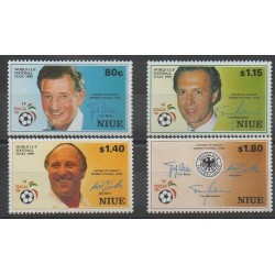 Niue - 1990 - No 551/554 - Coupe du monde de football