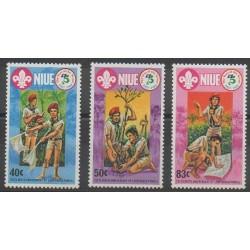 Niue - 1983 - Nb 382/384 - Scouts