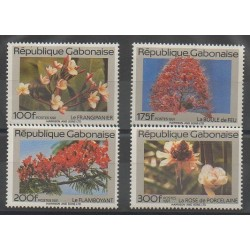 Gabon - 1991 - No 686/689 - Arbres - Fleurs