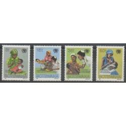 Botswana - 1987 - No 544/547 - Santé ou Croix-Rouge - Enfance