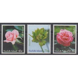 Norfolk - 1999 - No 668/670 - Roses