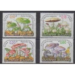 Bulgarie - 1999 - No 3824/3827 - Champignons