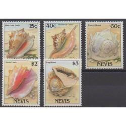 Nevis - 1988 - No 486/490 - Animaux marins