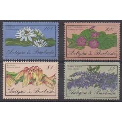Antigua et Barbuda - 1986 - No 939/942 - Fleurs