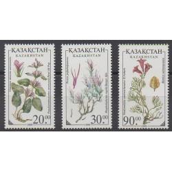 Kazakhstan - 1999 - No 216/218 - Fleurs