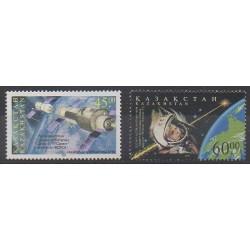 Kazakhstan - 2001 - No 270/271 - Espace