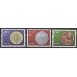 Irlande - 2002 - No 1390/1392 - Monnaies, billets ou médailles