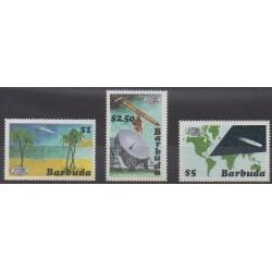 Barbuda - 1986 - Nb 808/810 - Astronomy