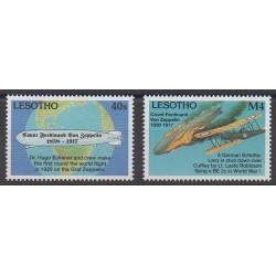 Lesotho - 1992 - No 1068/1069 - Ballons - Dirigeables