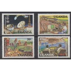 Ouganda - 1983 - No 326/329 - Télécommunications