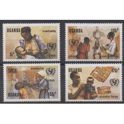 Ouganda - 1985 - No 381/384 - Santé ou Croix-Rouge - Enfance