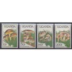 Ouganda - 1989 - No 563/566 - Champignons