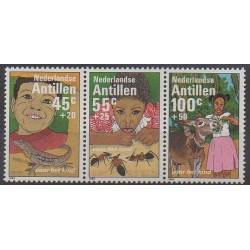 Antilles néerlandaises - 1983 - No 687/689 - Enfance