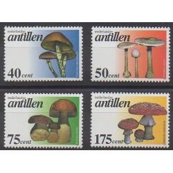 Antilles néerlandaises - 1997 - No 1062/1065 - Champignons