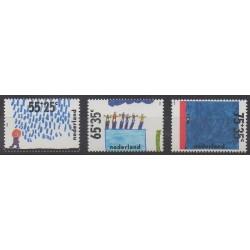 Pays-Bas - 1988 - No 1323/1325 - Dessins d'enfants