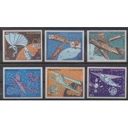 Yemen - Arab Republic - 1982 - Nb PA208 Série de 6 timbres individuels - Planes - Space