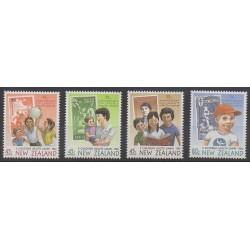 Nouvelle-Zélande - 1994 - No 1304/1307 - Santé ou Croix-Rouge - Enfance - Timbres sur timbres