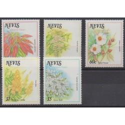 Nevis - 1988 - No 500/504 - Fleurs