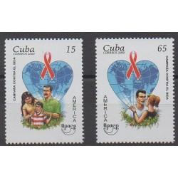 Cuba - 2000 - No 3902/3903 - Santé ou Croix-Rouge - Service postal